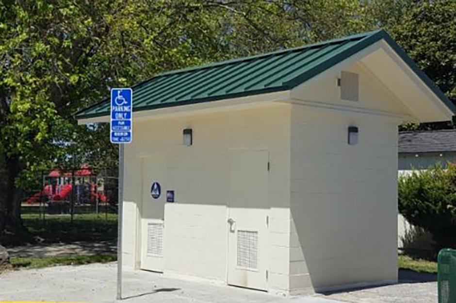 Alicia Park Restroom